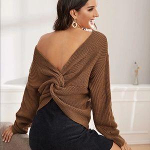 Double v neckline twist back sweater